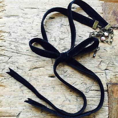 ブラック ベルベットリボンとチェーンのネックレス