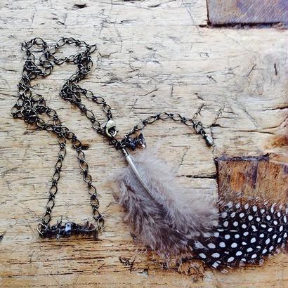 スモーキークォーツとフェザーのネックレス