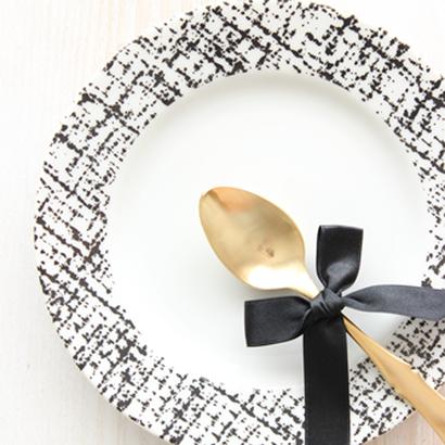 Tweed cake plate