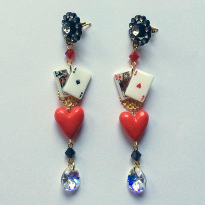 CARDS  HEART  BLACK  ピアス