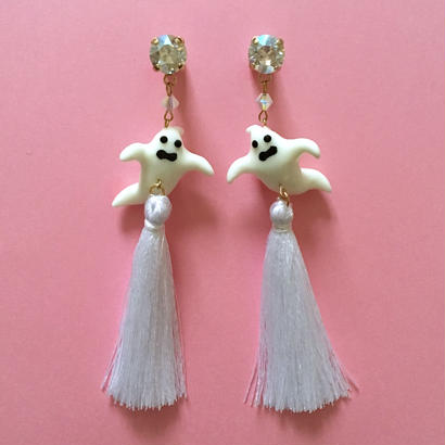 WHITE GHOST TASSEL ピアス