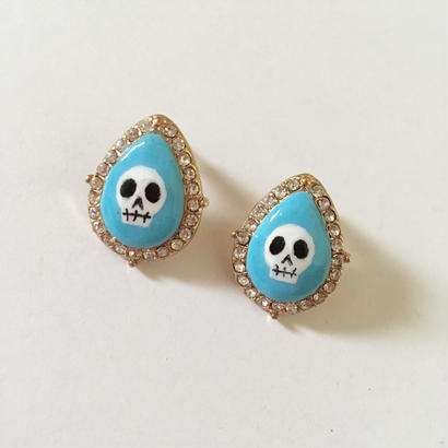 LIGHT BLUE SKULL STONE ピアス