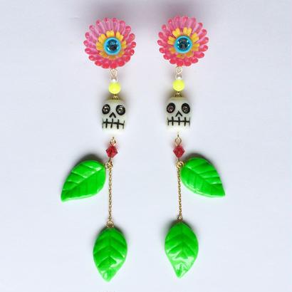 PLASTIC FLOWER &SKULLピアス (PINK)