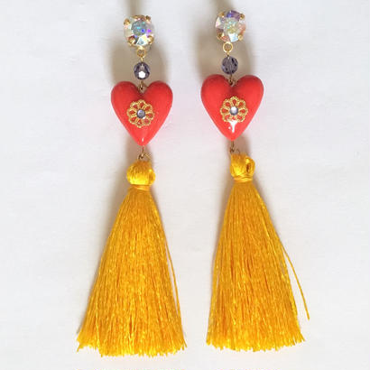 HEART & YELLOW TASSEL ピアス