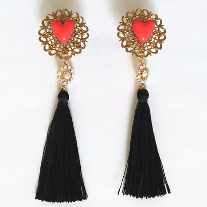 HEART & BLACK TASSEL イヤリング