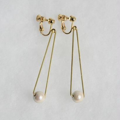 sankaku pearl earring long [VE-004k]