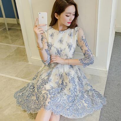 パーティーにオススメ 大人かわいい裾花レースカットスカートドレス
