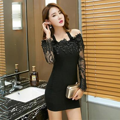 20代 セクシーで大人可愛い黒のタイトミニドレス