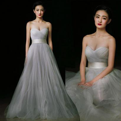 20代30代 上品で綺麗なデザインが大人の女性にオススメの純白ドレス