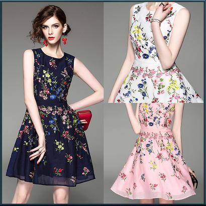 カラフル小花柄ミニ丈ドレス