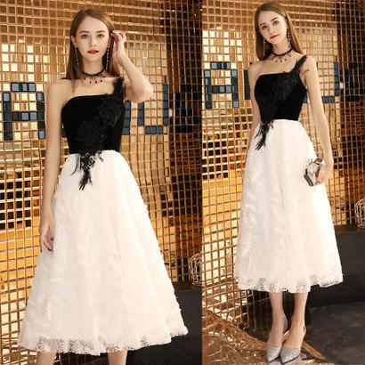パーティードレス 結婚式 二次会 ワンピース 結婚式ドレス お呼ばれワンピース 20代 30代 40代 ミモレ丈 白 ブラック レース
