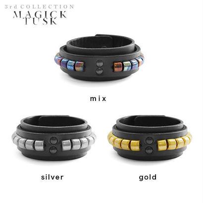 CLINCHER studs bracelet