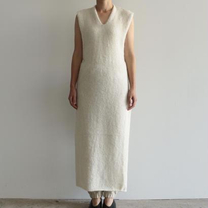 COSMIC WONDER / アイスランドウールの前掛けドレス(WHITE)