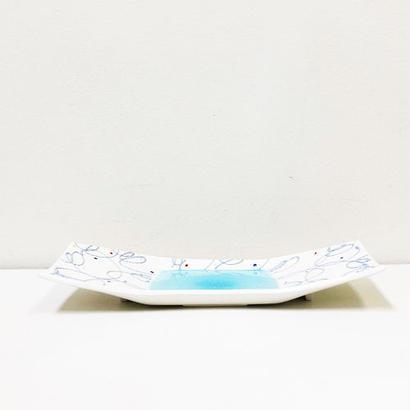 USED: Modern Plate  / モダンでかわいらしいプレート(波佐見)