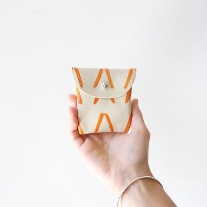 Handmade coin case / cream leather × orange V