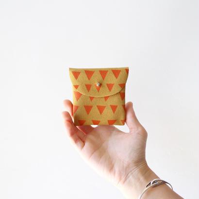 Handmade coin case / golden honey suede × orange triangles