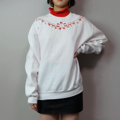 Vintage   Lace Sweat