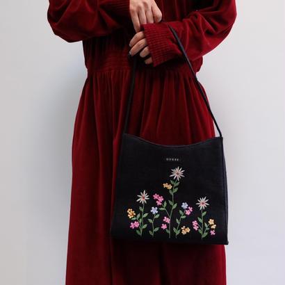 VINTAGE   GUESS 刺繍 BAG
