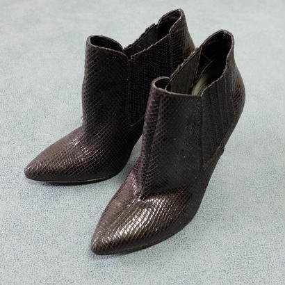 VINTAGE   GUESS Python BOOTS