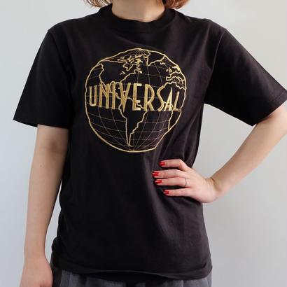 VINTAGE  UNIVERSAL TSHIRTS