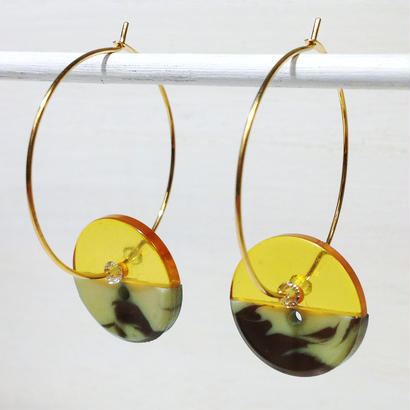 Button pierced earrings ボタンピアス/フープ・2トーン・山吹クリア×迷彩風