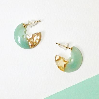 Button pierced earrings ボタンピアス/ 3/4・2トーン・ミントマーブル×金スパンコール