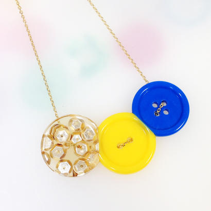 Button necklace ボタンネックレス/三連・金スパンコール×イエロー×ブルー