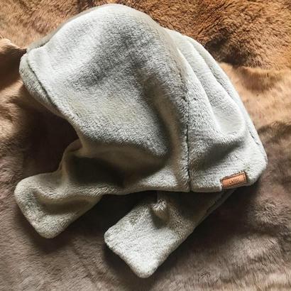 [ fake fur hood]gray