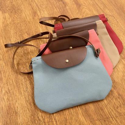 かわいい帆布のショルダーバッグ