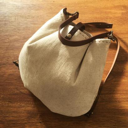 ぷっくりリュック・バッグ(手縫いで2色ステッチ)