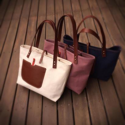 持ち手が革の大きめ帆布のトートバッグ(手縫い、丸めるベルト別売り)