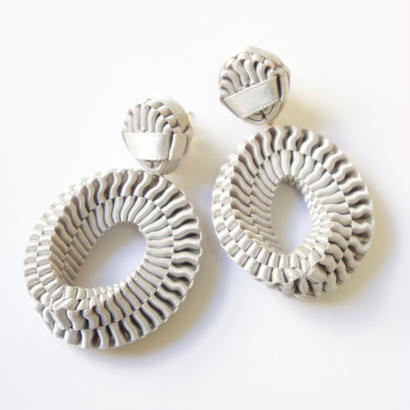 Mobius /  Pierced Earrings    Gray   ピアス