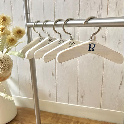 CHIRO original- Wood Hanger- 5pcs Set(ミルクホワイト)size: 12cm, 14cm, 16cm, style no. 1705004M