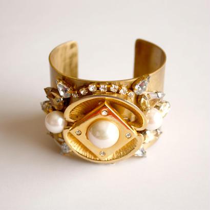 vintage bijou bangle -pearl-