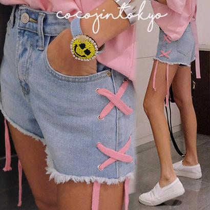 ピンクアイレットポイント青パンツ