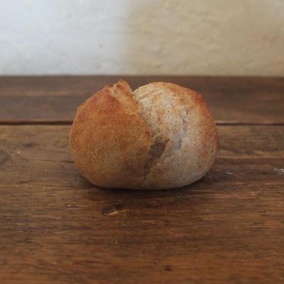 【店舗引き渡し専用】  丸パン全粒粉 2個