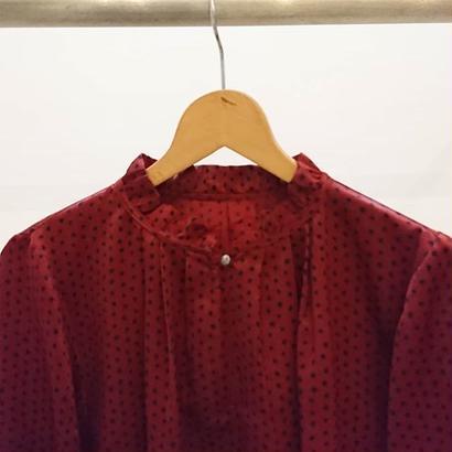 stunned collar blouse