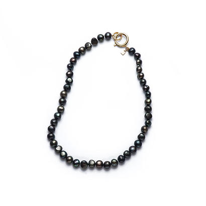 Black Mermaid Pearl Short Gold Clasp
