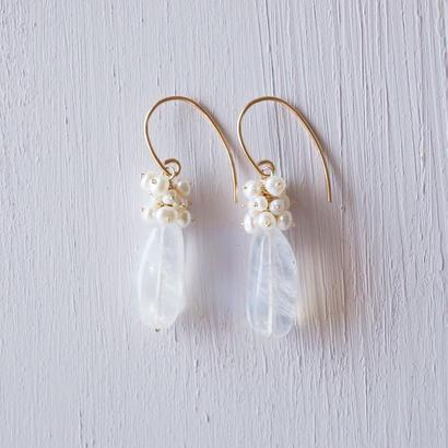【14kgf】ムーンストーンと淡水パールのピアス/Moonstone + Freshwater pearl earrings