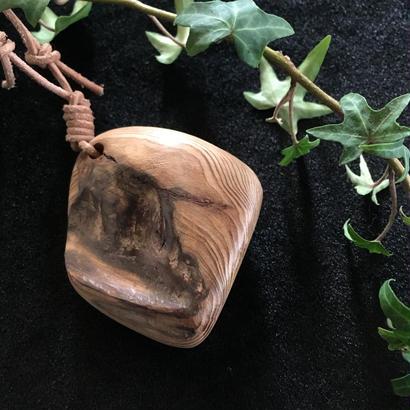 屋久杉 流木 ネックレス 天然木