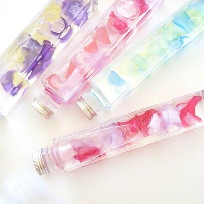 """《名入れギフト☆メッセージ刻印》 """"Secret roses"""" 選べる3色☆バラの花びらのハーバリウム"""