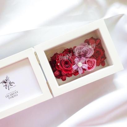 """《名入れギフト☆メッセージ刻印》MEMORIES """"Ligne de fleur""""(RED) お花畑のようなプリザーブドフラワーのフォトフレーム"""
