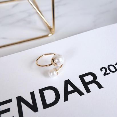 overlap pearl ring