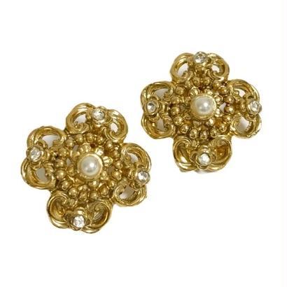 rhinestone design pearl earrings