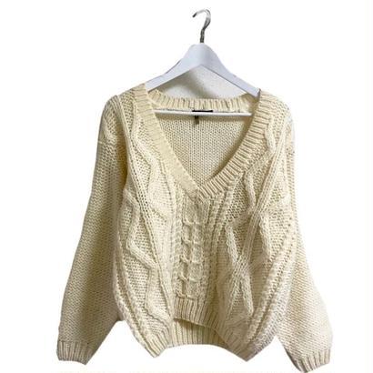 Vneck gable knit