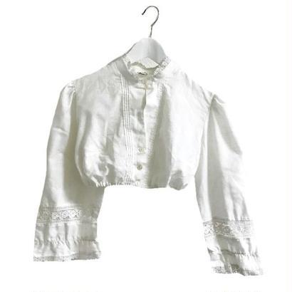 arm lace Tyrol blouse