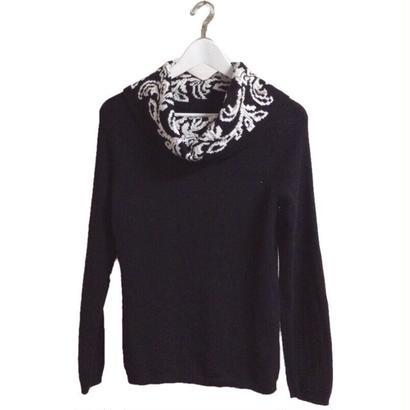 neck design knit black