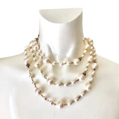 pearl long design necklace