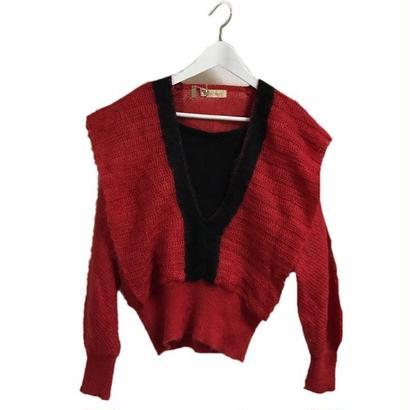 V design knit red
