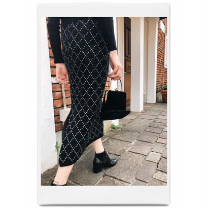 quilting slit knit skirt black